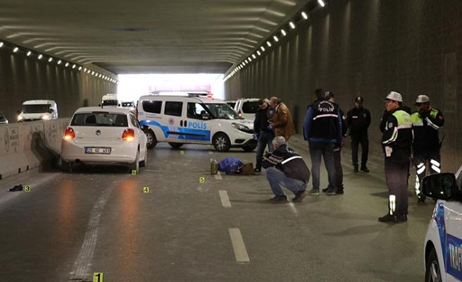 Acı son! Alt geçitten geçmeye çalışan kadına araç çarptı