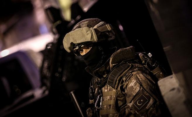 Ankara'da şafak vakti 3 bin 500 polisle dev operasyon