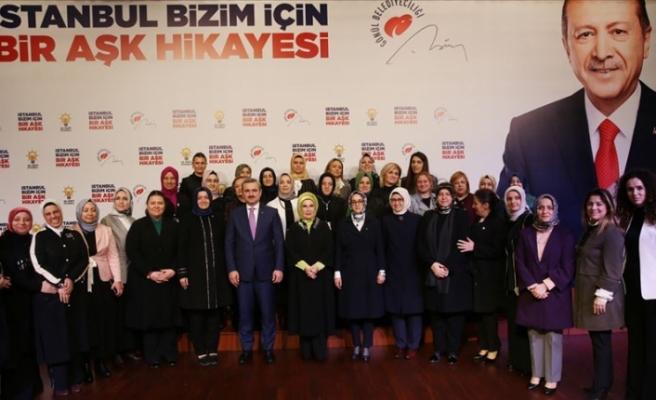 Emine Erdoğan AK Parti Kadın Kolları Teşkilatı ile bir araya geldi