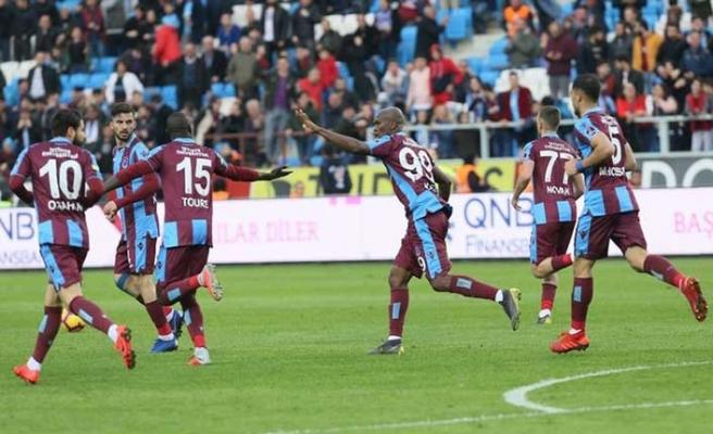 Trabzonspor Akhisar'ı ligin dibine gönderdi