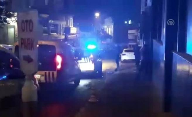 Polis, tartıştığı iş yeri sahibini silahla vurdu!