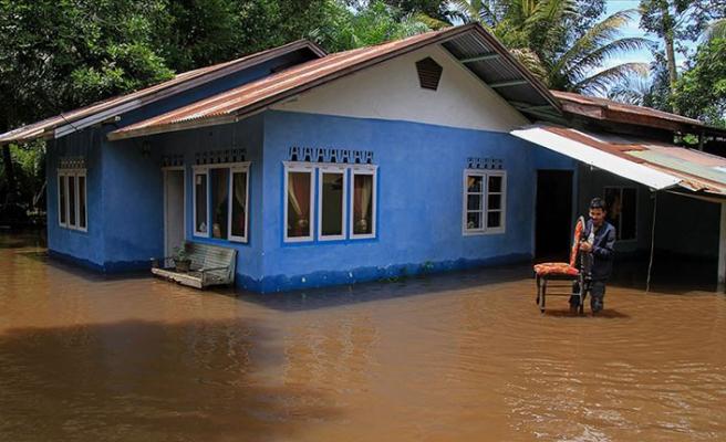 Endonezya'daki sel ve heyelanda ölü sayısı 100'ü aştı