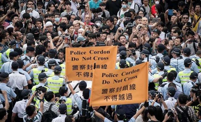 Hong Konglu protestoculara 16 aya kadar hapis cezaları verildi