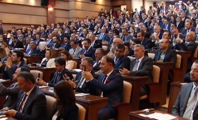 AK Parti'li Göksu İmamoğlu'na çöp dağlarını hatırlattı