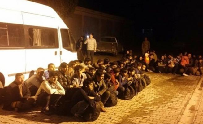Kuşadası ve Didim'de havadan tespit edilen 59 kaçak göçmen yakalandı