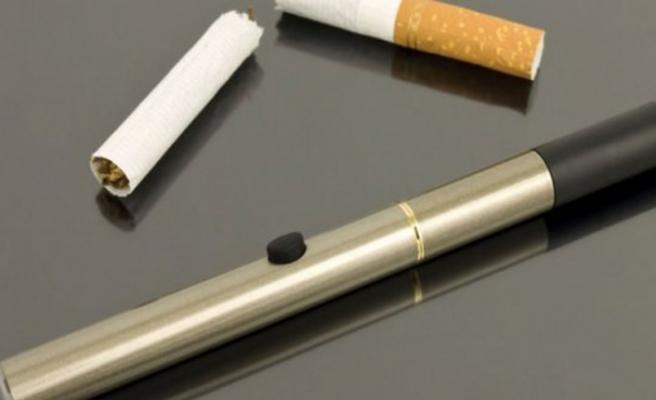 'Elektronik sigara da kanser riskini artırıyor'