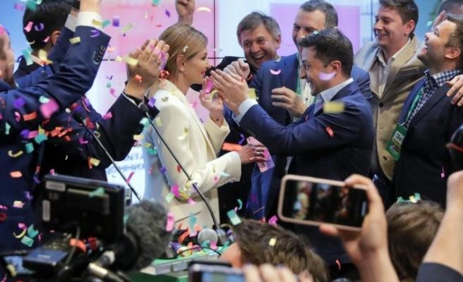 Komedyen Zelenskiy Ukrayna seçimlerini kazandı