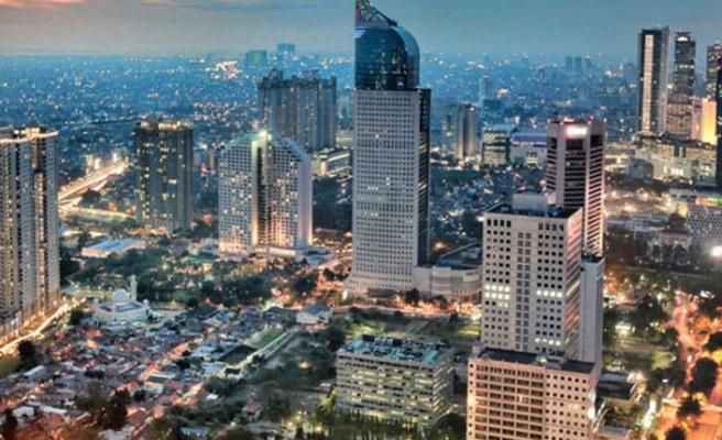 Endonezya'ya kötü haber! Başkenti batıyor