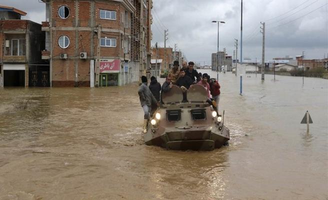İran'daki sel felaketinde can kaybı 76'ya yükseldi