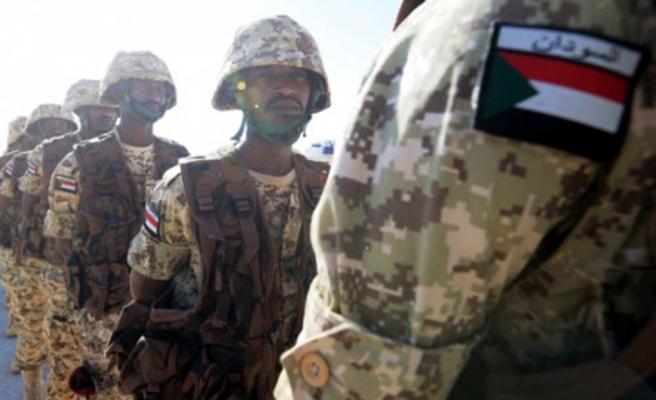Sudan ordusu Ömer el-Beşir'in kardeşlerinin evlerini kuşattı