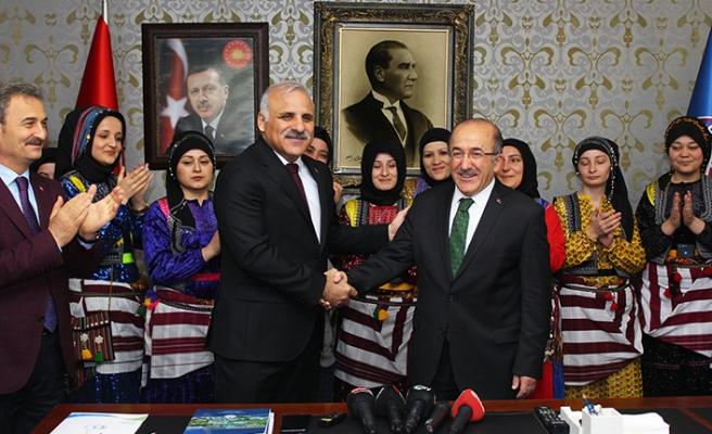 Trabzon'da görev değişimi