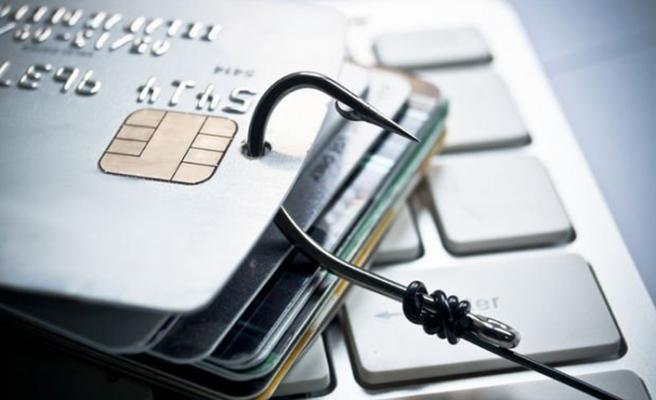 Kredi kartı dolandırıcılarına dikkat