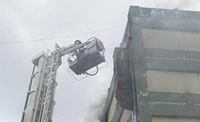 Başakşehir'de ayakkabıcılar sitesinde yangın