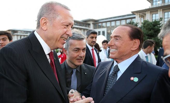 Berlusconi'den AB'ye sürpriz Türkiye çağrısı