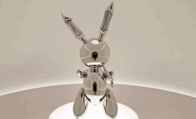 ABD'li heykeltıraş Jeff Koons'un 'Tavşan' heykeli rekorları alt üst etti