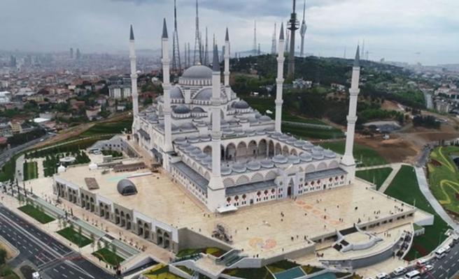 Türkiye'nin en büyük camisi olan Çamlıca Camii açılıyor