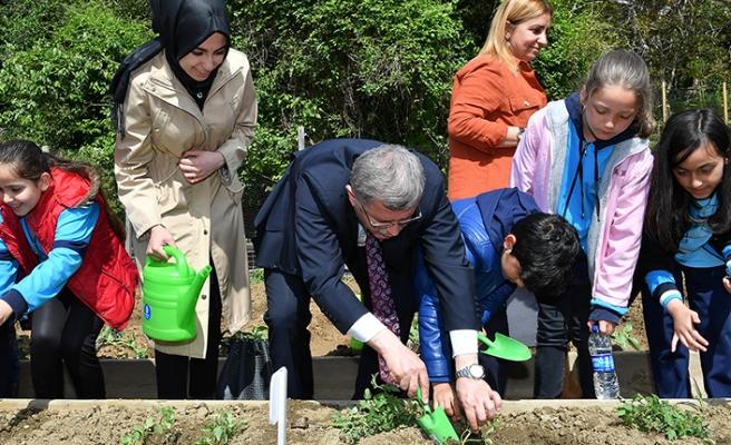 Çocuklar Hıdırellez için Üsküdar'da buluştu