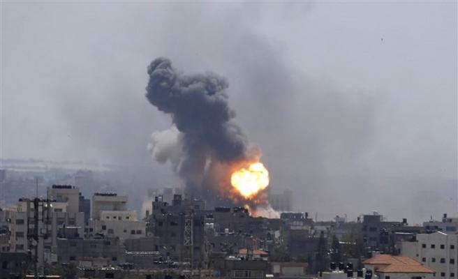 İsrail kanlı saldırılarına devam ediyor