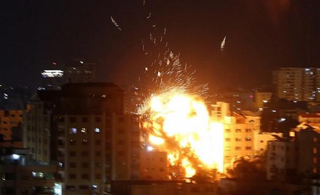İsrail'in Gazze'ye saldırılarında şehit sayısı 12'ye yükseldi