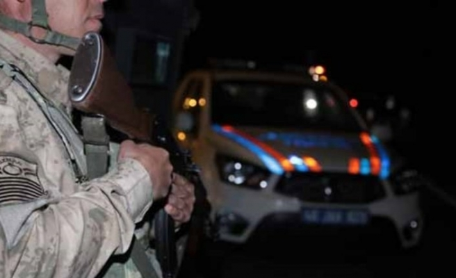 Jandarma ekiplerinden şok uygulama