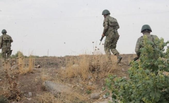 JÖH'ler Yüksekova'da 4 teröristi etkisiz hale getirdi