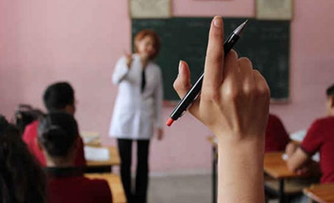 Kıyametten bahseden öğretmene büyük şok! İhraç edildi