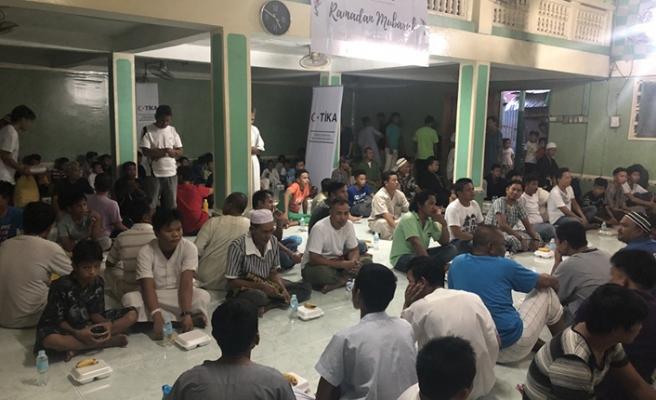 TİKA Filipinler'de iftar ve yardım organizasyonu gerçekleştirdi