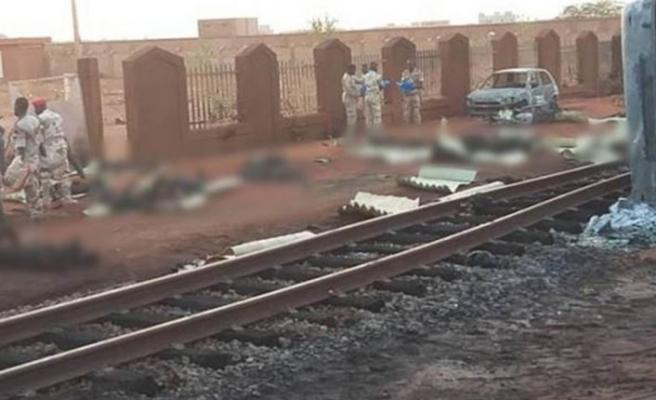 Nijerya'da yakıt tankeri patladı: En az 55 ölü var