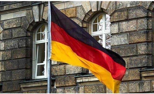 Almanya'dan dikkat çeken hamleler... İkisi de geçti