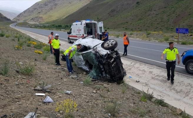 Bayram tatilinin ilk gününde trafik kazaları can aldı