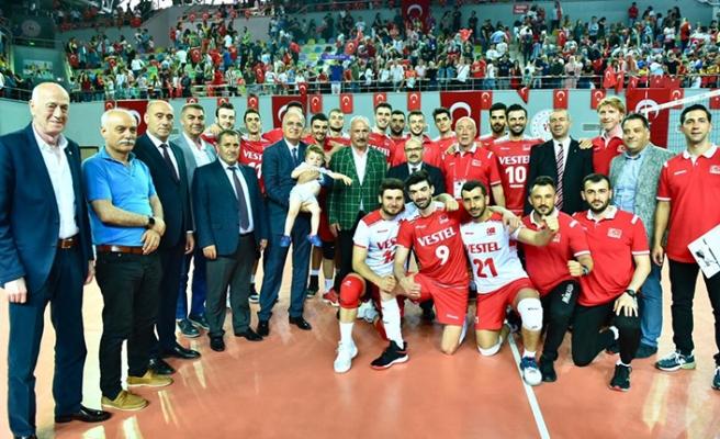Efeler, Trabzon'da dörtlü finale