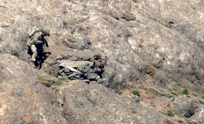 Pençe Harekâtı'nda PKK 'ya ait sığınakta füze bulundu!