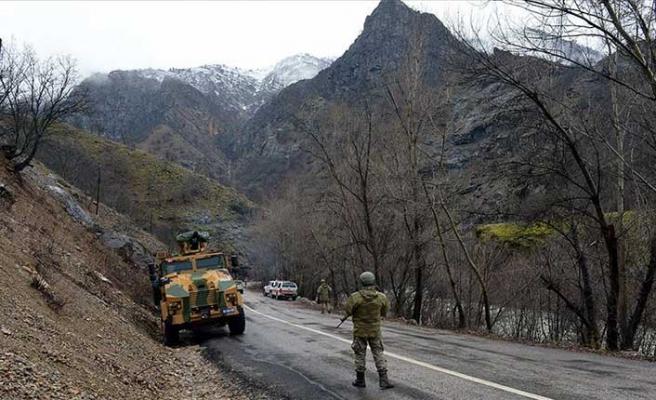Tunceli'de mağarada kıstırılan 5 kadın terörist etkisiz hale getirildi