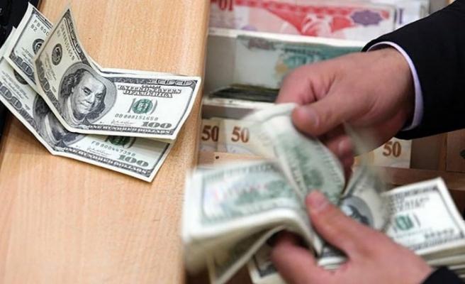 Dolar bayram tatili sonrası haftanın ilk işlem gününde hareketli