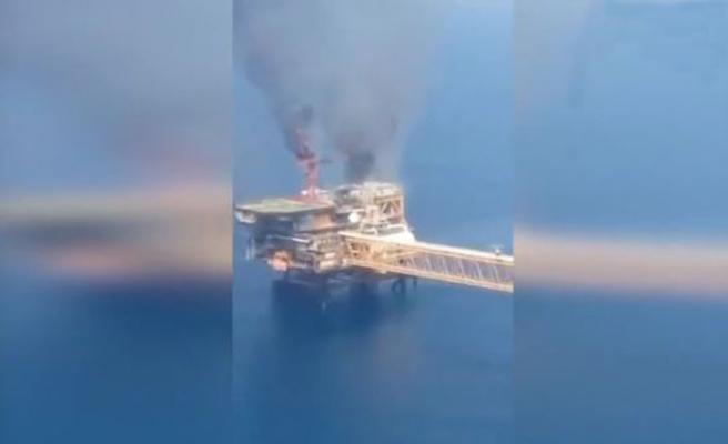 İran'a ait petrol çıkarma tesisinde şiddetli patlama