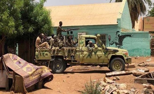Sudan ordusundan darbe karşıtı göstericilere müdahale ! Ölü ve yaralılar var...