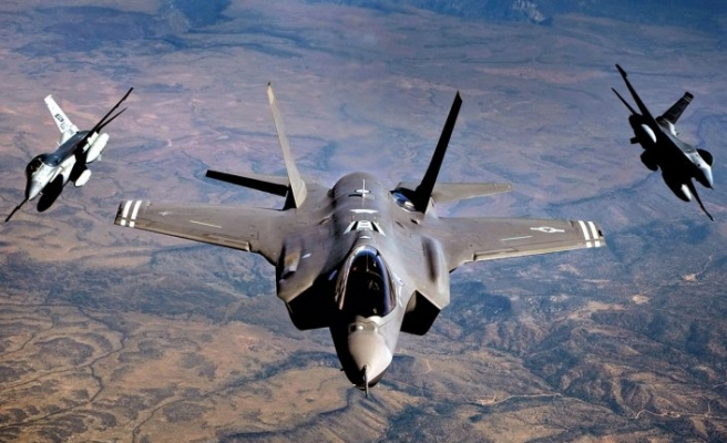 'Türkiye'ye yapılan F-35 şantajı işe yaramaz'