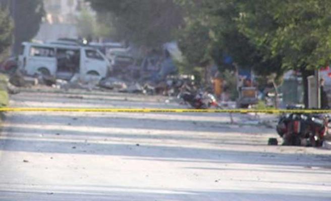 Afganistan'da istihbarat binasına bombalı araçla saldırı: Çok sayıda ölü var
