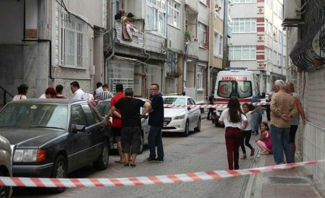 Fatih'te vahşi cinayet! Önce katlettiler sonra evi yaktılar