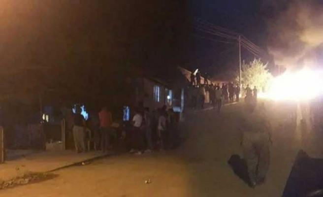 Denizli'deki iğrenç iddia sonrası mahalleli sokağa döküldü! Linçten jandarma kurtardı