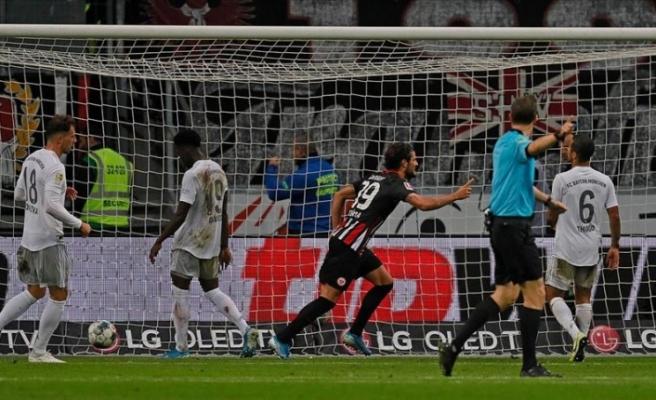 Eintracht Frankfurt Bayern Münih'i farklı yendi