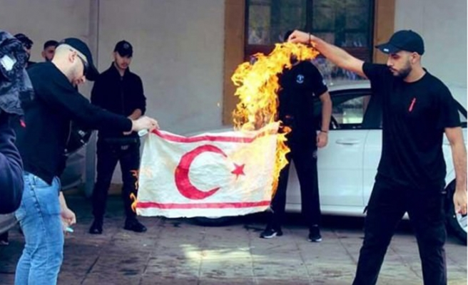 KKTC bayrağı yakan o alçakların kimlikleri belli oldu!