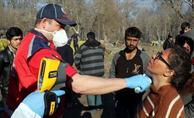 Sınırda bekleyen sığınmacılara sağlık hizmetleri üst düzeyde veriliyor