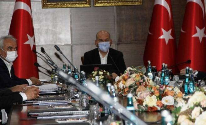 İçişleri Bakanı Soylu başkanlığında Diyarbakır'da güvenlik toplantısı yapıldı