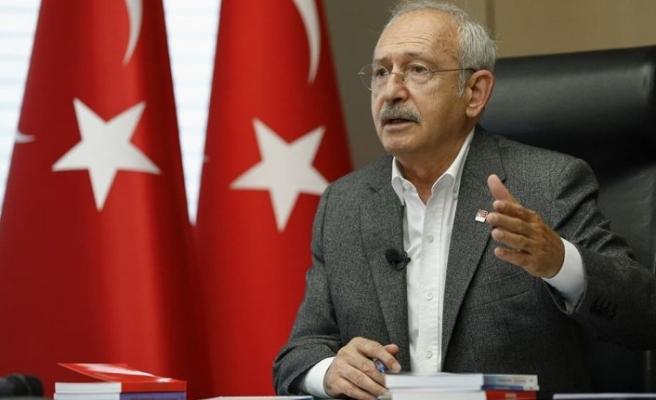 CHP'de kurultayın ertelenmesini isteyen parti içi muhalefet Genel Merkez listesini delecek