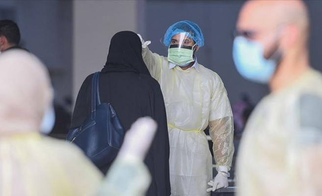 Suudi Arabistan'da Kovid-19 kaynaklı ölüm ve vaka sayıları arttı