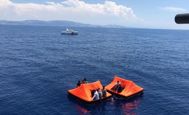 Yunanistan'ın Türk kara sularına bıraktığı düzensiz göçmenler kurtarıldı