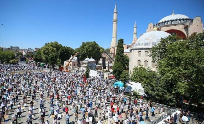 Ayasofya Camii'nde ilk bayram namazı heyecanı