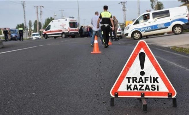 Ankara'da işçileri taşıyan kamyonet devrildi: 6 yaralı