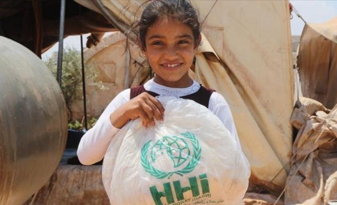 İHH'dan Afrin'de bin 100 aileye hijyen yardımı